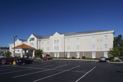 Holiday Inn Express Suites - Orangeburg